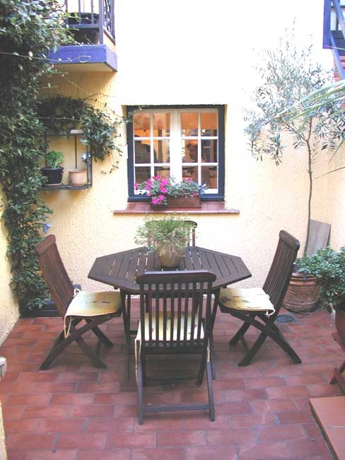 courtyardforwebpeter