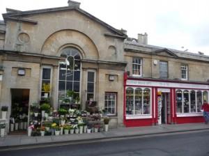 Inviting shops on Bath's historic Pulteney Bridge