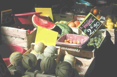 Provençal sunlight touches vegetables fresh from the field to the market