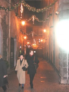 Orvieto's cobbled streets are invitingly decorated for the holidays.