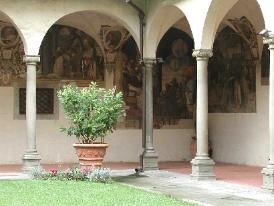 Find centuries-old frescoes with us in Florence's hidden corners.