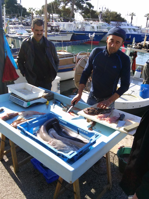 02181502 cassis fishermen