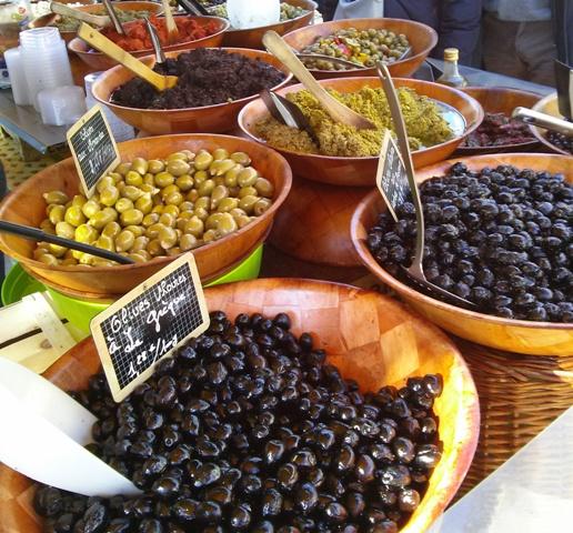 02181502 olives tapenades