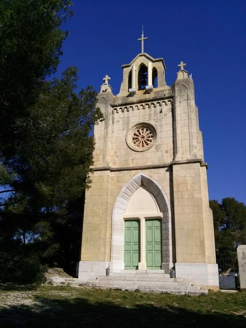02181503 seeking photographers views above village chapel saint croix