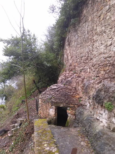 03291501 more primitive shelter