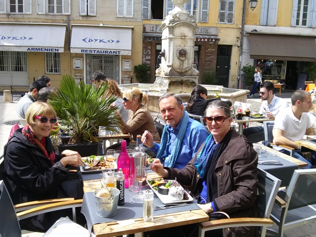 04051502 lunch al fresco