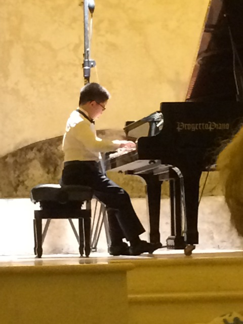 07191507 amazing young pianist China video too