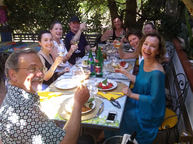07201503 lunch under the vines