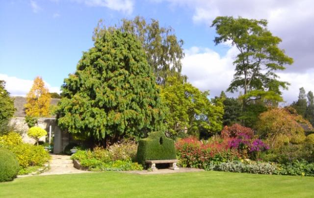 09251503-Fabulous-gardens