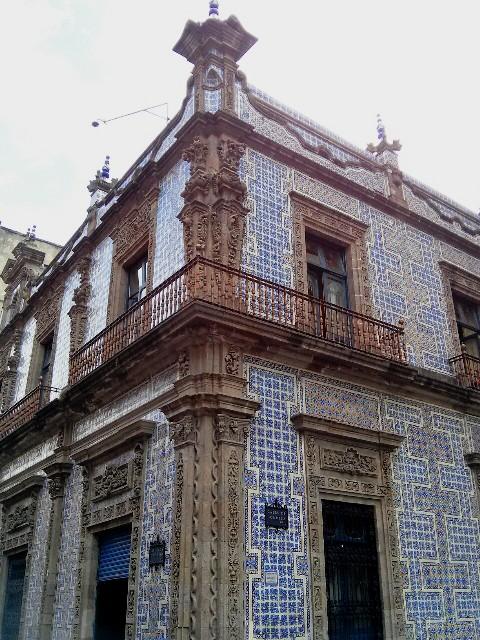 10241503 facade of tiles sanborns