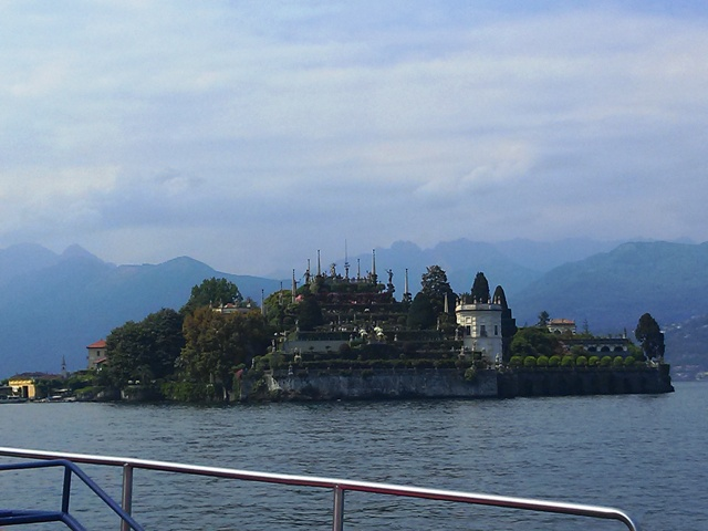05271601 easy to get to milan drive to stresa ferry to isola bella