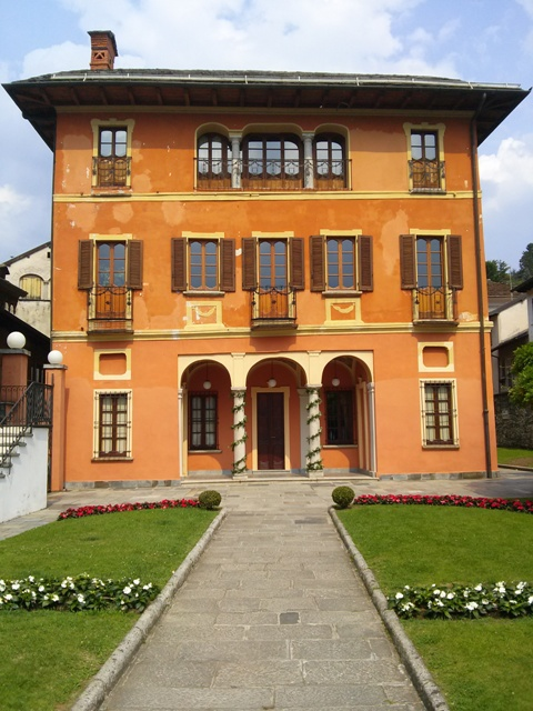 05281603 from gardens of palazzo communale
