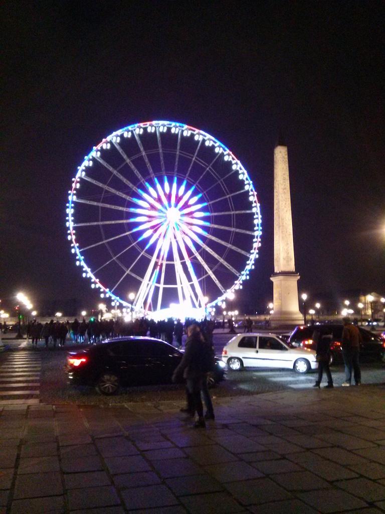 Paris When It Shimmers