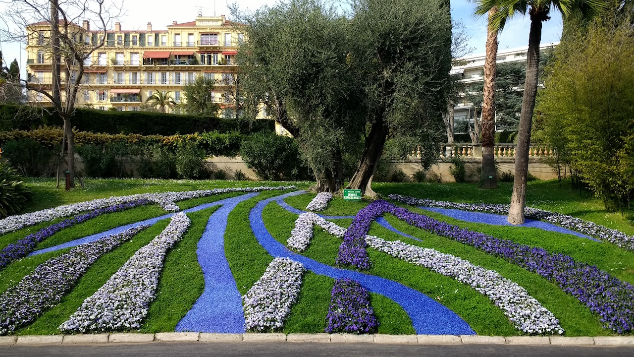 Gardens from Cannes to Grasse | Music and Markets Tours