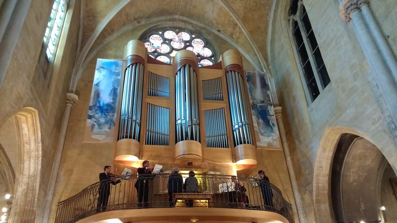Performances and Picnics in Aix